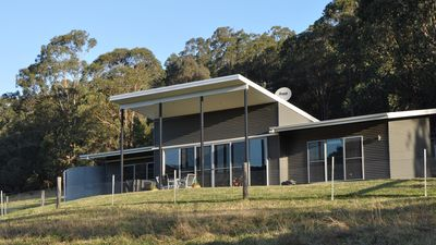 Photo for 2BR Villa Vacation Rental in Wollombi, NSW