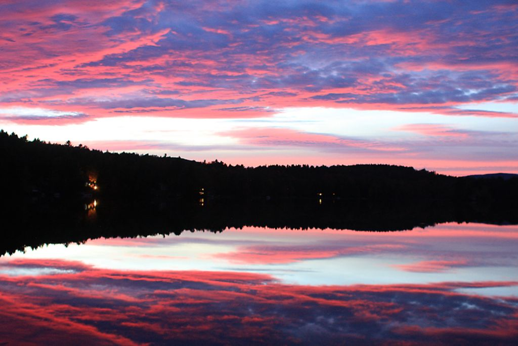 Lake front 39 best view on the pond 39 great deal sunapee for Lake front view