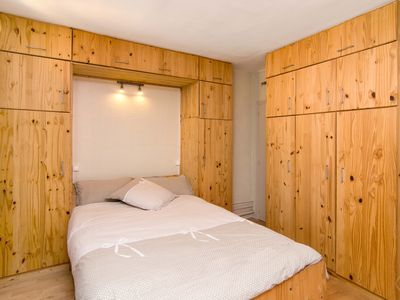 Photo for Romantic studio apartment, for up to two guests, boasting a wonderful location in Paris?s desirable