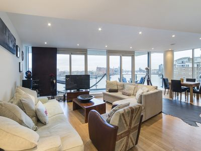 Photo for Outstanding three bed Riverside Apt with Air Con and huge terrace