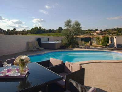 Photo for Spacious villa for 6-8 people with heated pool and jacuzzi!