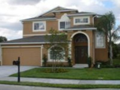 Wonderful 5 Bed 3 Bath Unit, located close to Disney in Westhaven Community