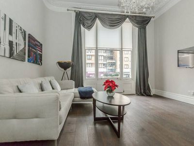 Photo for Modern 1BR Period Property in Kensington