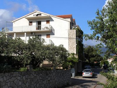Photo for One bedroom apartment with balcony and sea view Jelsa, Hvar (A-8765-b)