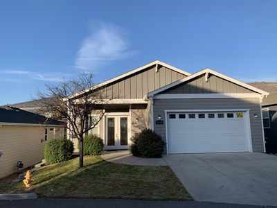 Photo for Hillcrest home, 3 bedroom, 2 1/2 bathroom 2146 square foot house.