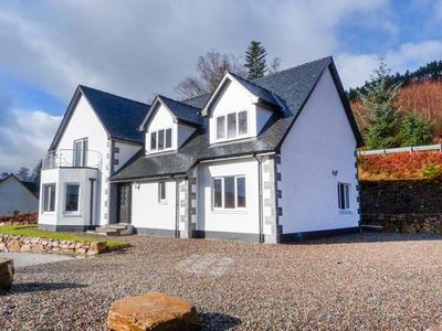 Photo for HOLLY HOUSE, family friendly in Spean Bridge, Ref 954964