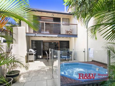 Photo for Welcome to your perfect Noosa getaway located by the Hastings Street Precinct.