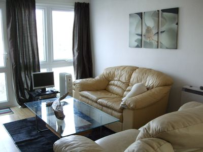 Photo for Modern well presented chalet, minutes from beautiful beach