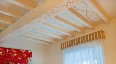 bedroom 1, decorated ceiling