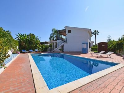 Photo for Fontane Bianche Holiday Home, Sleeps 9 with Pool and Air Con