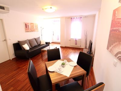 Photo for Royal Vienna apartment in 10. Favoriten with WiFi, air conditioning, shared terrace & lift.