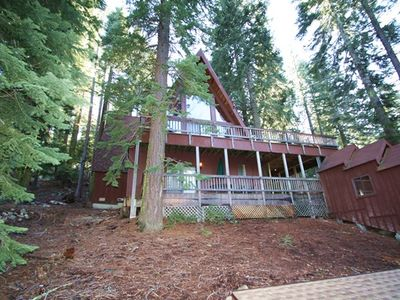 Photo for 5 bed, 3 bath, sleeps 10. PET FRIENDLY ,South Shore Donner Lake DLR#083
