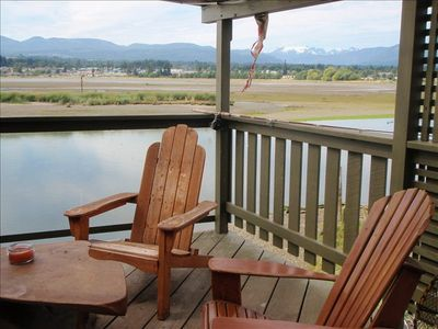 Relax  on the deck overlooking the Estuary .. enjoy  the everchanging view