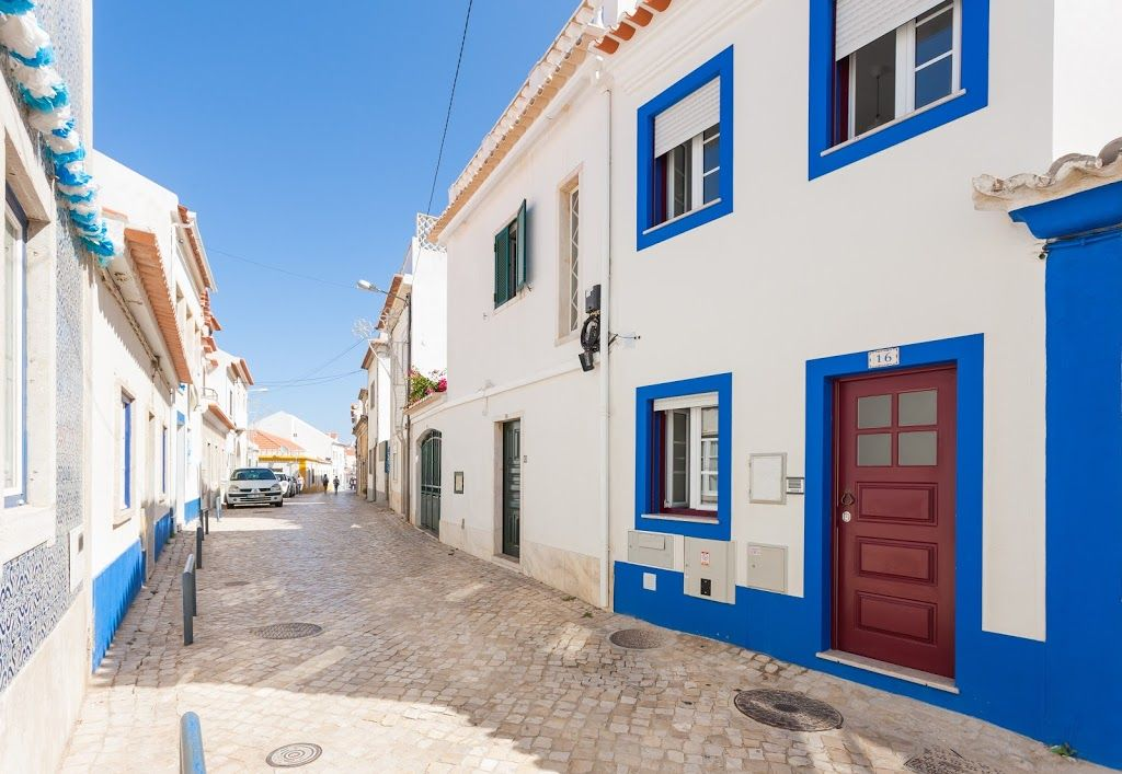 125 m from the center of ericeira with internet terrace for 125 the terrace