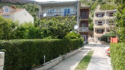 Photo for Holiday apartment Dugi Rat for 1 - 4 persons with 1 bedroom - Holiday apartment in a villa