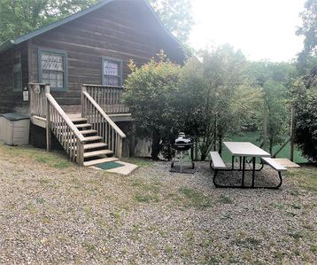 Photo for Trillium **Lakefront 2 Bedroom 2 Bath, 30 minutes to Dollywood, private dock**