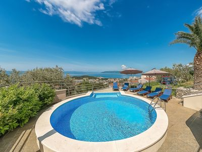 Photo for Wonderful private villa for 11 guests with A/C, hot tub, WIFI, private pool, TV, balcony and par...