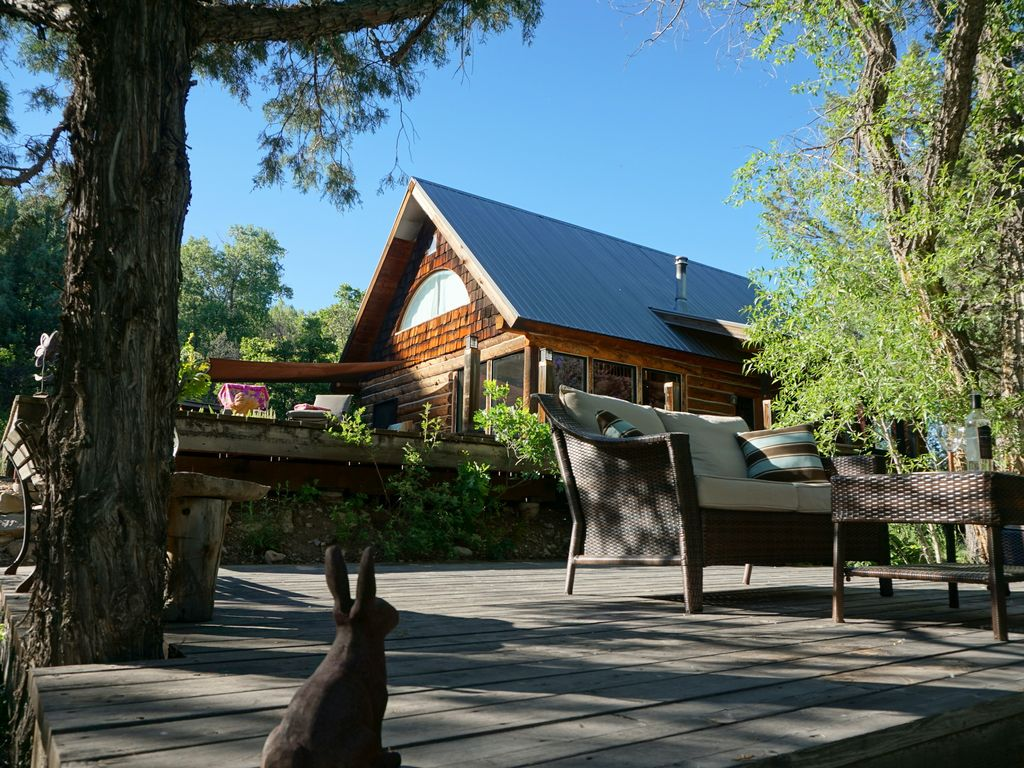 Property Image#4 Spectacular Colorado Setting! Log Cabin W/Cascading Decks  To Fishing