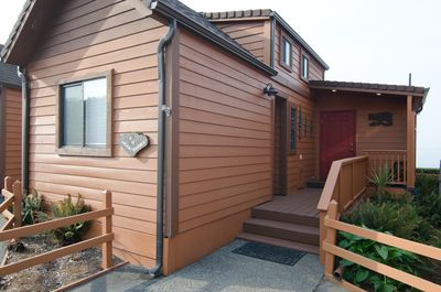 Parking is right in front of the cabin with easy access to the front door.