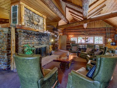Photo for Rustic, dog-friendly mountainview retreat - close to town, lake, and skiing