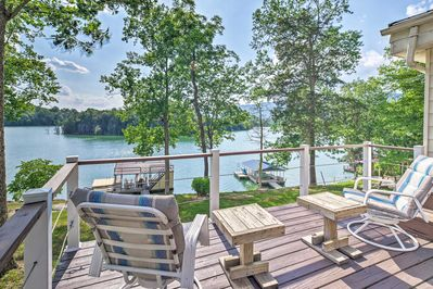 Escape to the shore to stay at this LaFollette vacation rental!