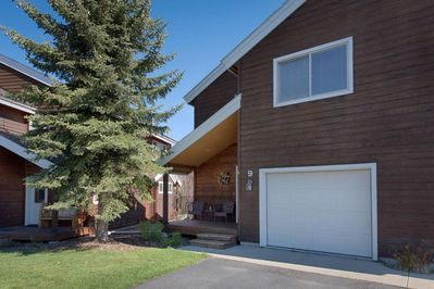 Mill Court Lakeview Townhome