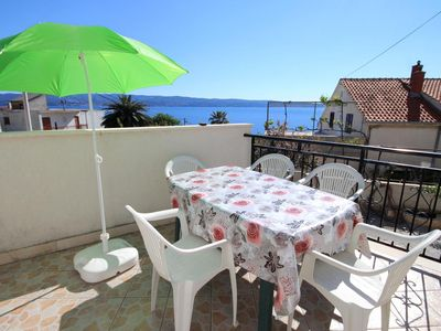 Photo for Studio flat with terrace and sea view Mali Rat, Omiš (AS-10014-a)
