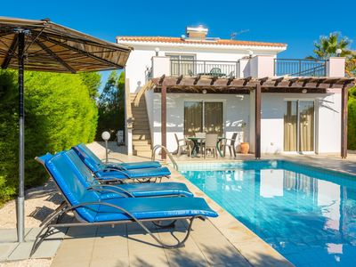 Villa Dalia: Large Private Pool, Walk to Beach, Sea Views, A/C, WiFi, Eco-Friendly