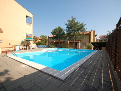 Photo for Three-roomed villa with pool view including 1 umbrella and 2 sun beds included