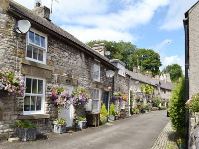 2 bedroom accommodation in Tideswell