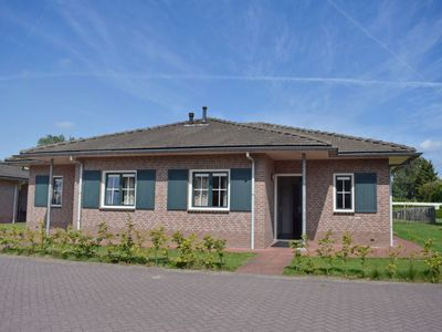 Photo for Vacation home Recreatiepark De Boshoek  in Voorthuizen, Gelderland - 8 persons, 4 bedrooms