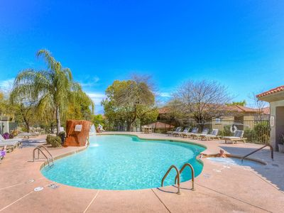 Photo for NEW LISTING!! Updated Tucson condo with shared pool, hot tub, and gym!