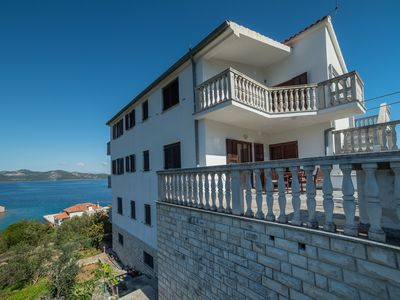 Photo for 1BR Apartment Vacation Rental in Mali Iž, Dalmatien