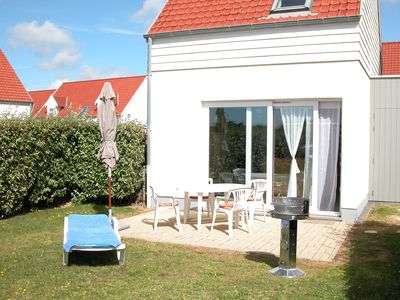 Photo for Wonderful holiday home adjacent to beach, golf course and nature reserve