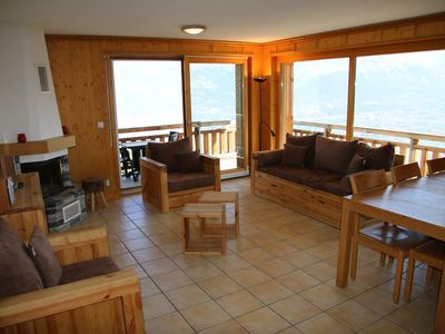 Photo for 4*, 2-bedroom-apartment for 4-8 people located in the center of the resort at 250m from the skilift.