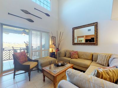 Photo for NEW LISTING! Luxurious condo w/ lanai, shared pool/hot tub/fitness, onsite golf!