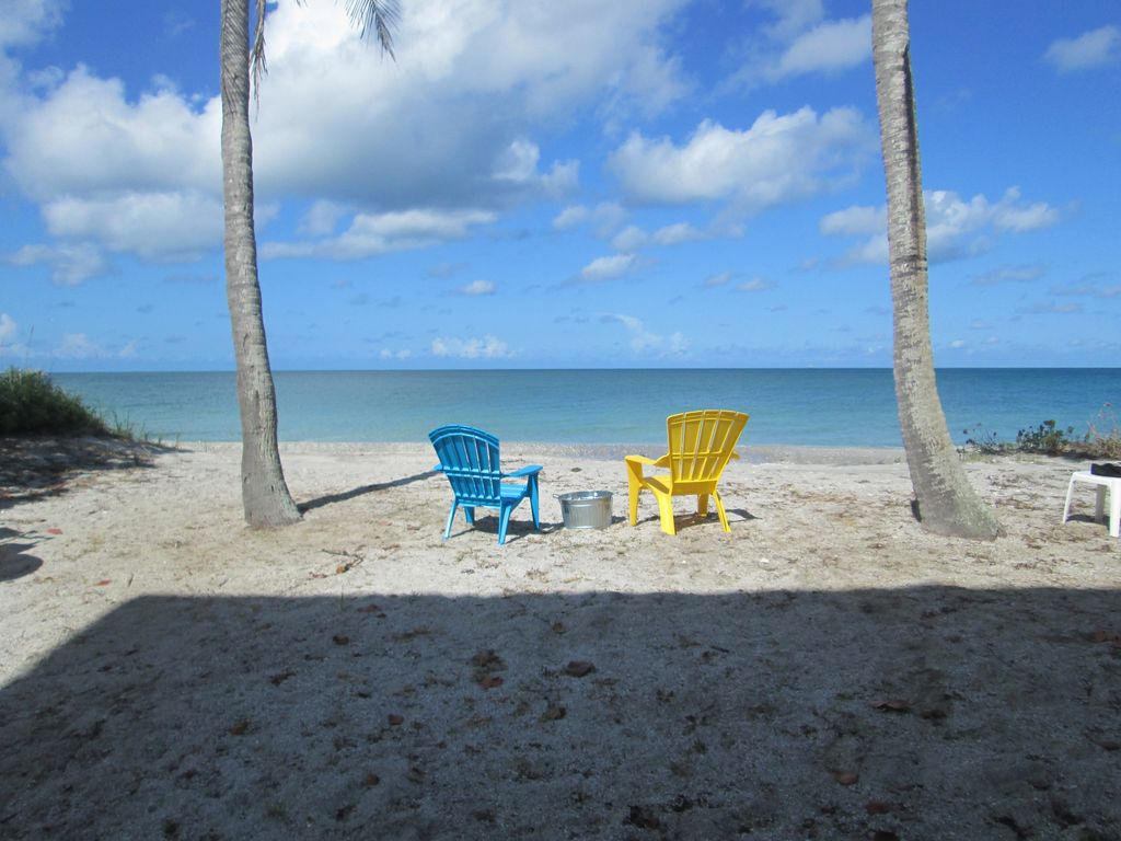 Your vacation home on the beach side b weeks available for Where to vacation in march