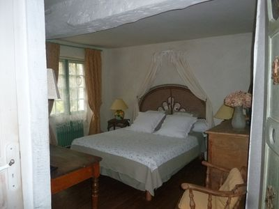 Photo for Charming guest rooms in Paris, halfway between Paris and Reims