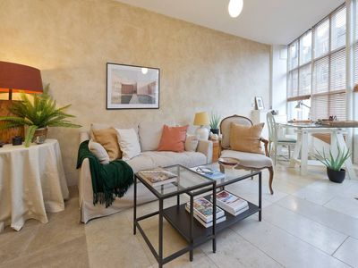 Photo for Unique & Luxurious 1 Bed Apartment in Fulham
