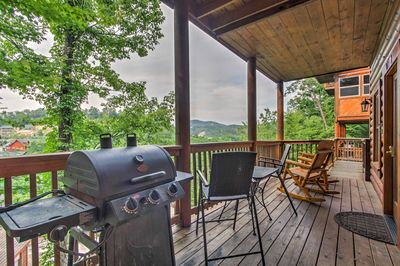 This 3-bed, 3-bath vacation rental townhome is 1,750 square feet & sleeps 10.