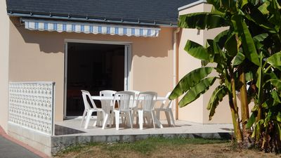 Photo for Quiet house with large garden 5min feet from the beach and shops
