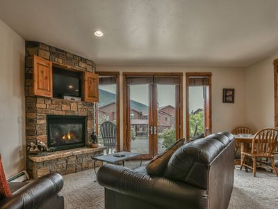 Photo for Updated Townhome with fireplace, private laundry, jetted tub!