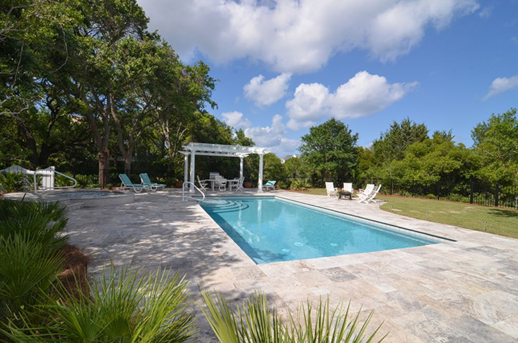 Majestic Beach House With Private Pool And Fishing Dock Close To