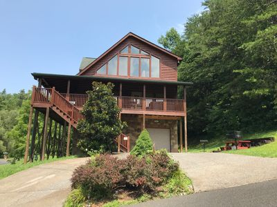 """Photo for """"Smoky Hills Sunshine""""  family cabin/mountain view/hot tub/large deck/WIFI/yard"""