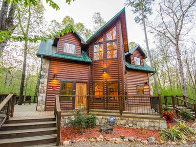 Photo for Dream Time Retreat (1 Bdrm)(Luxury Cabin) (HOT TUB)