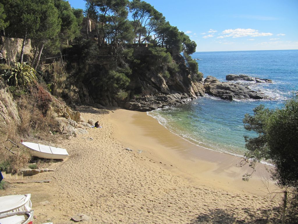 Perfect location cala rovira next to platja d 39 aro quiet - Cases platja d aro ...