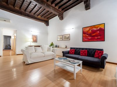 Photo for BRAMANTE FLAT APARTMENT IN THE HEART HISTORICAL CENTER IN ROME BEHIND PIAZZA NAVONA