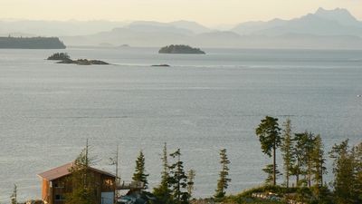 Photo for 3BR House Vacation Rental in Telegraph Cove, BC