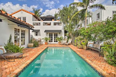 Upscale West Palm Beach Condo W Pool Near Old Northwood Historic District