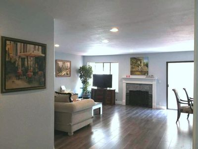 Photo for Modern 3 bedroom/2.5bath near Apple, newly remodeled